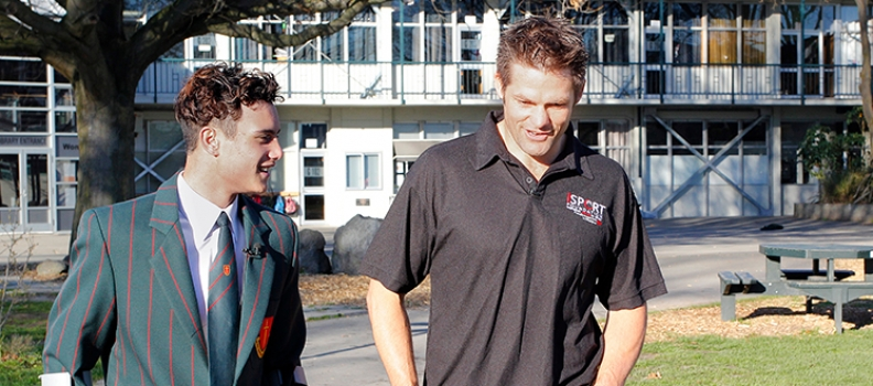 RICHIE MCCAW VISITS FELLOW SPORTING HERO